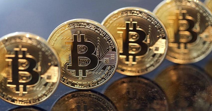 monedas de oro en fila